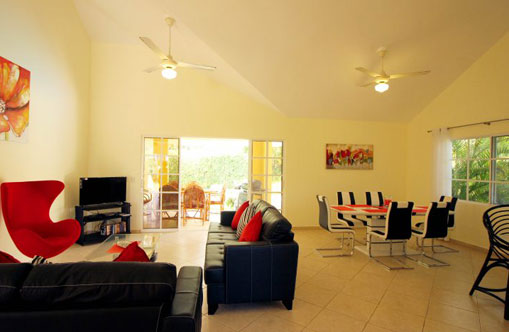 #14 Four bedroom villa with a separated 1 bedroom apartment