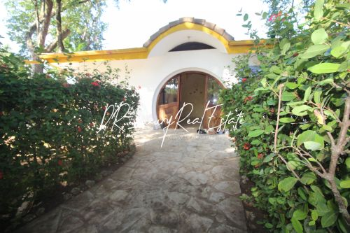 #8 Lovely property in popular gated beachfront community