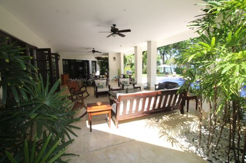 #18 Luxurious ocean view villa in select community just steps from the beach