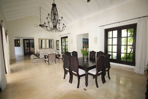 #2 Luxurious ocean view villa in select community just steps from the beach
