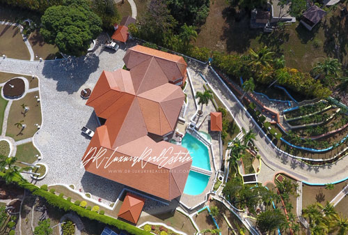 #1 Exclusive mansion with great views in gated community