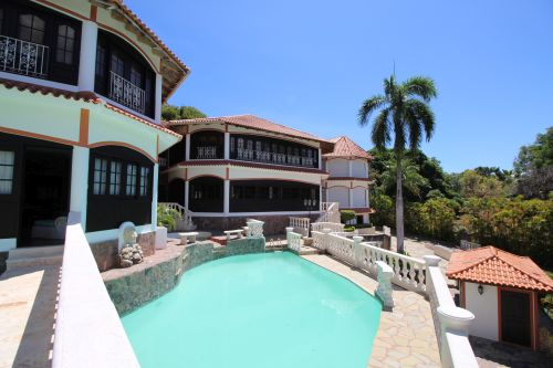 #2 Exclusive mansion with great views in gated community