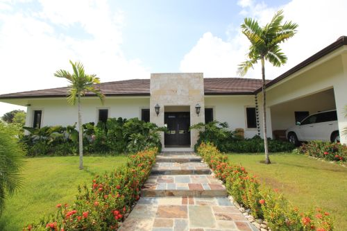 #9 Unique residence in gated community with great mountain view