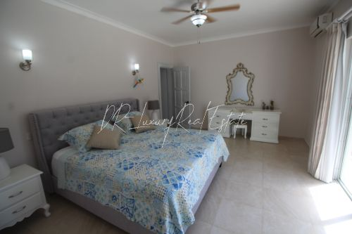 #14 Lovely two bedroom beachfront condo